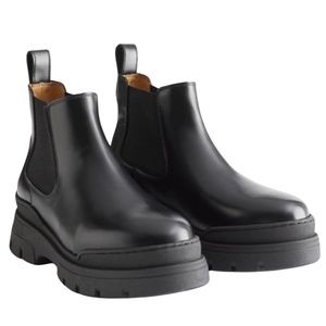 Chunky leather chelsea boot - NWT